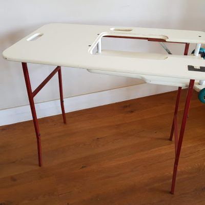 2002 Second portable table